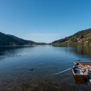 Au Clos de la Chaume campsite: Lake Gérardmer